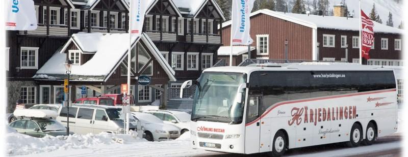harjedalingen-buss-fjallen-1296x500